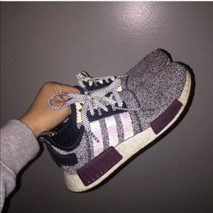 Nmd r1 burgundy grey (exclusives)